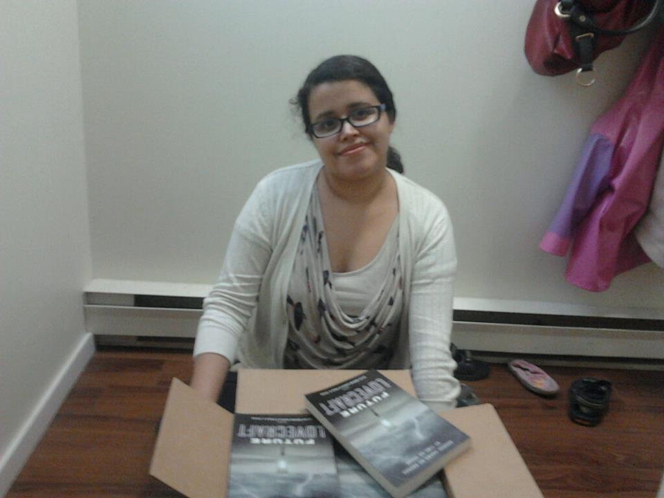 """Author photo of Silvia Moreno-Garcia with the collection """"Future Lovecraft"""""""